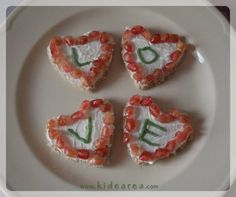 Cocina divertida, facil y sana para niños Bruschetta, Ethnic Recipes, Food, Cheese Toast, Easy Meals, Fruits And Vegetables, Recipes For Children, Ethnic Food, Hearts