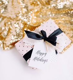 Printable Gift Wrap From Hey Look | theglitterguide.com