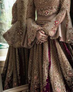 Asian Bridal Dresses, Indian Bridal Outfits, Pakistani Bridal Dresses, Shadi Dresses, Indian Gowns Dresses, Unique Dresses, Bridle Dress, Pakistan Bride, Wedding Lehenga Designs