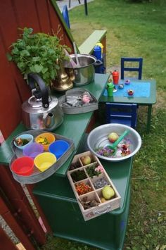 awesome Top 20 of Mud Kitchen Ideas for Kids Mud kitchen (also known as an outdoor kitchen or mud pie kitchen) is one of the best resources in DIY projects for kids to play outside as kids playhouse. Diy Mud Kitchen, Mud Kitchen For Kids, Kitchen Ideas, Ikea Kitchen, Kitchen Inspiration, Diy Outdoor Furniture, Kids Furniture, Outdoor Learning Spaces, Outdoor Education