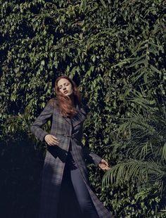 Photography: Matthew Sprout.Styled by: Samantha Traina. Hair: Maranda. Makeup: Lottie. Model: Julia Banas.