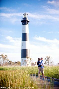 Lighthouse engagement session, lighthouse, outer banks engagement photos, beach engagement photos