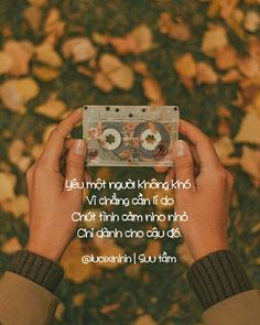 Lười là kẻ mộng mơ, thơ thẩn... Sad Love, Love Is Sweet, I Love You, Quotes Girls, Love Quotes, Unrequited Love, Sweet Stories, Caption Quotes, Make Color