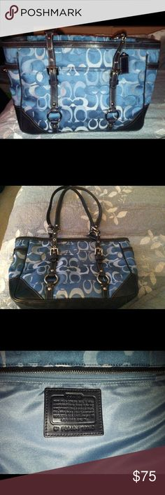 Coach purse Like new! Coach Bags Shoulder Bags