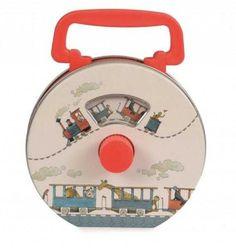 Radio pentru copii - ilustratii tren Categorie: Branduri populare/Egmont Toys Un alt fel de radio, ideal pentru cei mici. Carcasa metalică și cu mâner din plastic fac radioul ușor de apucat, iar imaginea din interior care se derulează pe ritmul… Music Box Ballerina, Ballerina Jewelry Box, Girl Nursery, Nursery Decor, Fairy Music, Train Music, Birthday Presents For Girls, Musical Jewelry Box, Musical Toys