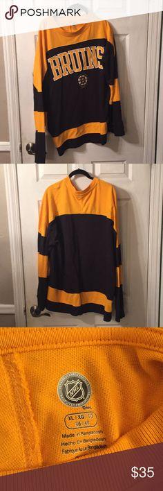 Men s Official NHL Boston Bruins Long Sleeve Shirt Never worn from a  non-smoking home 9de4fd676