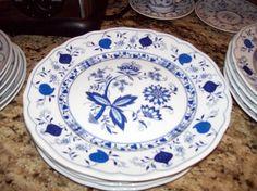 Blue Onion  Ingress Weiss  Fine Porcelain Dinner by josephine7075 offers
