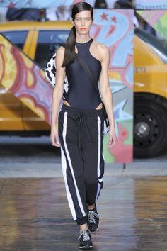 Sfilata DKNY New York -  Collezioni Primavera Estate 2014 - Vogue