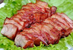 Cách làm thịt xá xíu có thể áp dụng để tạo thành món ăn kèm với rất nhiều loại đồ ăn khác nhau như cơm, mì, xôi… nhưng nhiều nhất vẫn là bánh mì.