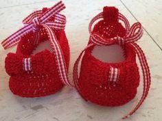 #Zapatitos de #bebe hechos a mano y con amor #babyboots @Erika * Cebreros @BabyCenter en Español
