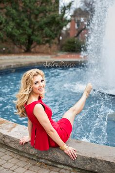UGA Fountain | Graduation Photo | Senior Photos | Athens Georgia Senior & Portrait Photographer