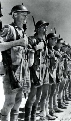 The Division lines up prior to moving out for the beginning of the Second Battle of El Alamein, pin by Paolo Marzioli British Soldier, British Army, Afrika Corps, North African Campaign, Erwin Rommel, Home Guard, Spiritual Warrior, Native American Pictures, Man Of War