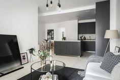 Hej ni! Den här sjukt snygga lägenheten, med det sjukt snygga köket, skulle jag kunna tänka mig att flytta raka vägen in i .. Typ nu med det samma, om någon ba