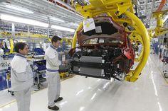 Produção industrial tem maior queda anual desde 2009 (foto: ANSA)