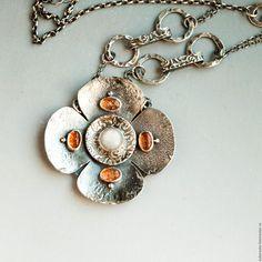 Купить Ожерелье из серебра с сапфиром и солнечными камнями Сверхновая RES - авторская ручная работа