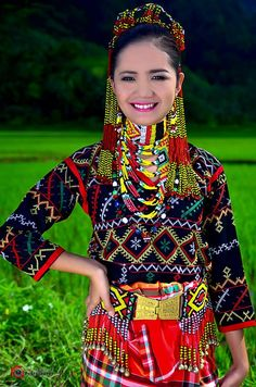 Colorful and bejewelled T'boli Woman Mindinow, Philippines Halloween Costumes For Teens, Pop Culture Halloween Costume, Group Halloween, Women Halloween, Halloween Halloween, Halloween Makeup, 3 People Costumes, Group Costumes, Winter Outfits