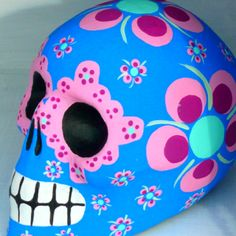 stunning Mexico Day of the Dead skull.