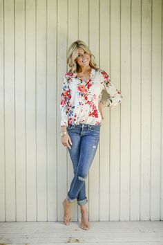Just the right Touch of Flowers Blouse   Women's Online Clothing Boutique   The Pink Nickel