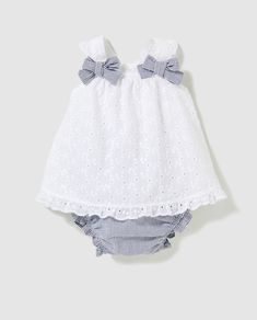 Baby girl cotton outfit 👶🏻 old🍼 Baby Girl Dress Patterns, Little Girl Outfits, Little Girl Dresses, Toddler Outfits, Kids Outfits, Baby Girl Fashion, Kids Fashion, Baby Dress Design, Baby Frocks Designs
