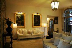 Villa Del Re ©oovatu Cagliari, Oversized Mirror, Villa, Couch, Furniture, Home Decor, Granite Counters, Homemade Home Decor, Sofa