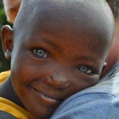 Look @ those BEAUTIFUL eyes!
