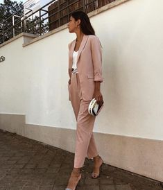 55 amazing outfits office a style simple, beauty and travel 2019 page 42 Sporty Outfits, Urban Outfits, Classy Outfits, Trendy Outfits, Cute Outfits, Fashion Outfits, Fashion Trends, Formal Outfits, Womens Fashion