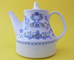 Figgjo Flint Turi-Design Lotte teapot, made in Norway.