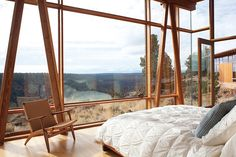 One of the most beautiful ranch homes in a desert canyon in Oregon, simple, elemental, and the views are stunning.