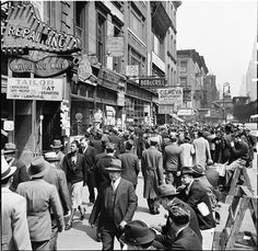 U.S. Lines in Front of Employment Agencies, NYC, 1935
