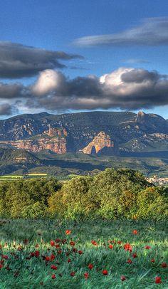 Salto de Roldán desde el pueblo de Chimillas. Huesca Spain