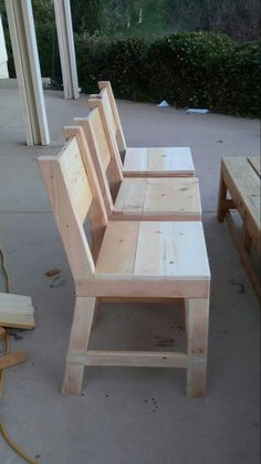Fluffy Woodworking Plans Workbench woodworkingschool CuteWoodProjects is part of Wood chair diy - Diy Furniture Building, Diy Garden Furniture, Pipe Furniture, Pallet Furniture, Rustic Furniture, Furniture Decor, Modern Furniture, Furniture Plans, Easy Woodworking Projects