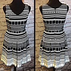 HOLD❌FINAL PRICE❌DRESSBARN BOLD PRINT DRESS Adorable dress with a V-neck and A-line style. Gently used. HIC-2 Dress Barn Dresses