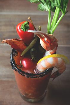 It's almost in NY on a Monday and this looks so tasty.The Ultimate Bloody Mary // HonestlyYUM Cocktails, Party Drinks, Cocktail Drinks, Fun Drinks, Cocktail Recipes, Alcoholic Drinks, Drink Recipes, Martinis, Beverages