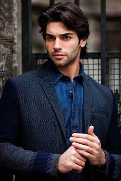 Turkish actor Sükrü Özyildiz discovered by VOGUE Turkish Men, Turkish Beauty, Turkish Actors, Beautiful Men Faces, Gorgeous Men, Princess Inspired Outfits, Smart Men, My Sun And Stars, Awesome Beards