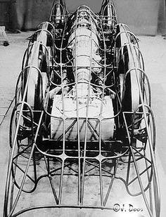 Mercedes-Benz T80 O motor foi concebido para funcionar com uma mistura de metanol (63%), benzeno (16%), etanol a 12%), acetona (4,4%), gasolina de aviação (2%), e éter (0,4%). Metanol / injecção de água foi utilizada para o arrefecimento de carga como um anti-détonant.