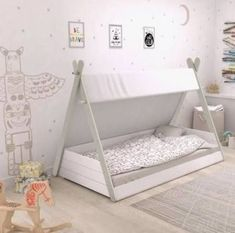 Lit Tipi Enfant Avec Matelas Mousse Confort Ferme – Taille : cm Little one's Teepee Mattress With Agency Consolation Foam Mattress – Dimension: cm Merchandise Toddler Floor Bed, Diy Toddler Bed, Floor Beds For Toddlers, Baby Floor Bed, Unique Toddler Beds, Toddler House Bed, Baby Bedroom, Kids Bedroom, Montessori Toddler Rooms