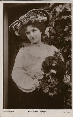 CAVALIER KING CHARLES SPANIEL & ACTRESS AGNES FRASER PHOTOGRAPHIC DOG POSTCARD