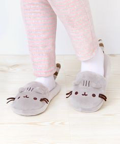 Pusheen the Cat plush slippers IM GOING TO DIE OMG