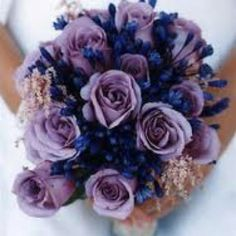 Love this bouquet. Lavender & navy <3