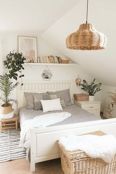 A living room is a place where most of our time is spent at home. A living room should have good space and clean so that you don't feel l. Teen Room Decor, Room Ideas Bedroom, Home Decor Bedroom, Living Room Decor, Bedroom Inspo, Room Decor Boho, Teen Bedroom Makeover, Bedroom Decor For Small Rooms, Simple Bedroom Decor