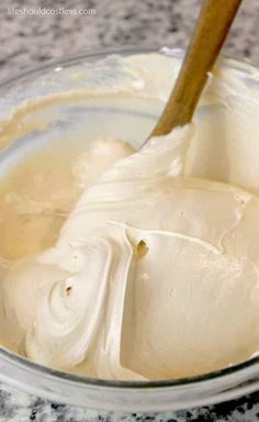 If you like a good mousse and are a fan of peanut butter, you are going to be in HEAVEN over this easy recipe. The best part is that it takes a mere two or Peanut Butter Fluff Recipe, Peanut Butter Cake Filling, Whipped Peanut Butter, Peanut Butter Dessert Recipes, Cake Filling Recipes, Easy Mousse Recipes, Icing Recipes, Moose Recipes, Cool Whip Desserts