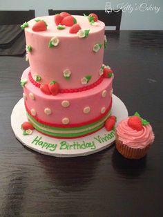 Strawberry Cake - www.KellysCakery.com