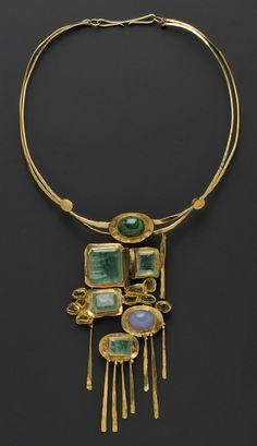 Gold Gem-set Necklace, Miye Matsukata, Janiye, c. 1978 - The Tres Chic Modern Jewelry, Jewelry Art, Gold Jewelry, Jewelry Necklaces, Fine Jewelry, Fashion Jewelry, Jewelry Making, Luxury Jewelry, Wedding Jewelry