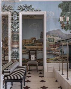Habitually Chic® » Fabulous Foyer by Michael Herold Wall Painting Decor, Wall Decor, Bedroom Decor, Cosy Interior, Interior Design, Kips Bay Showhouse, Entryway Stairs, Vintage Interiors, Vestibule
