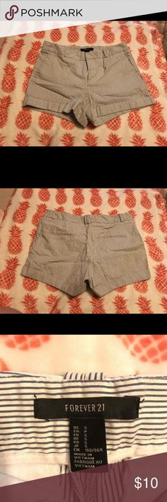 Forever 21 Seersucker Shorts Size small. Love these shorts & the print! Forever 21 Shorts Bermudas