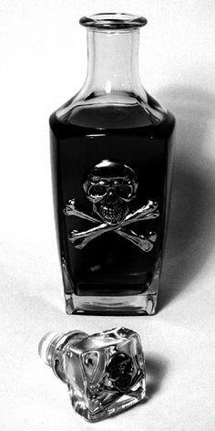 Pirates: ~ Skull-and-Crossbones Bottle. me wants this for de whiskey. Skull Decor, Skull Art, Goth Home, Gothic Home Decor, Gothic House, Skull And Bones, Perfume Bottles, Liquor Bottles, Empty Bottles