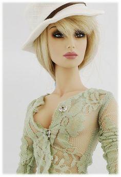 Ms. Avalon, Fashion doll.