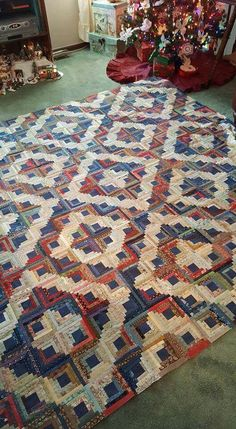 Prevent Quilts from Fading with These Laundry Tips - Quilting Digest Patchwork Quilt, Jellyroll Quilts, Scrappy Quilts, Batik Quilts, Mini Quilts, Quilt Top, Édredons Cabin Log, Log Cabin Quilts, Log Cabins