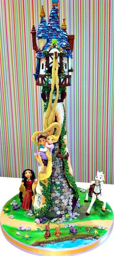 Tangled Cake. This thing is outta control