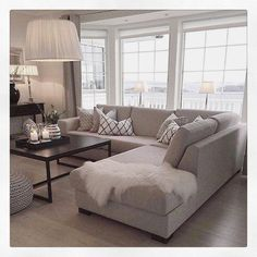 to decorate small living room room ottoman room bench room ottoman room inspiration living room set living room furniture living room Cozy Living, My Living Room, Living Room Interior, Home And Living, Neutral Living Rooms, Interior Livingroom, Beige Sofa Living Room, Living Room Flooring, Relaxing Living Rooms